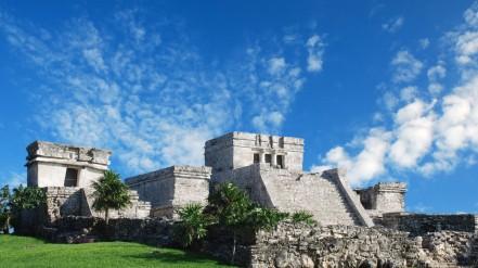 Tulum-Ruins-Mexico-768x1366
